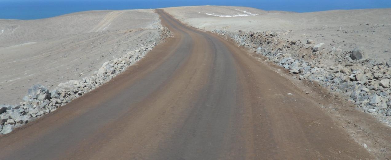 Eurofinsa construyendo futuro. Camino vecinal entre Quilca y El Alto en Camaná.P